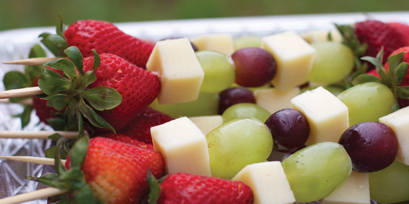 Fruit and Cheese Kabobs Pkolino